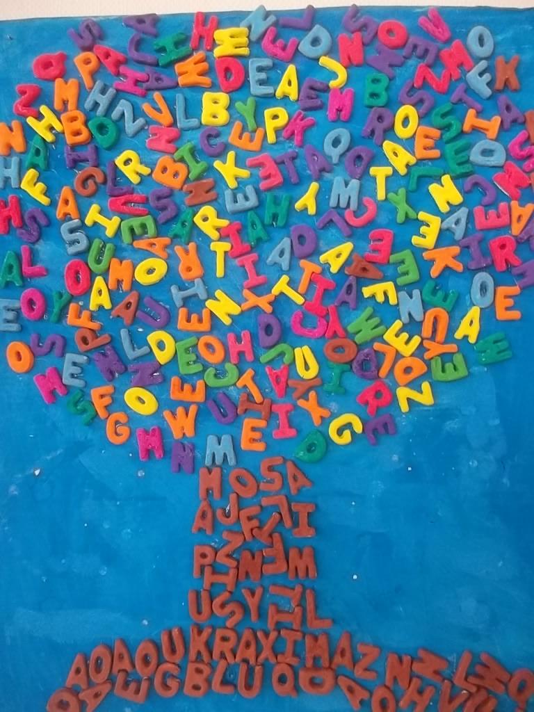 Les feuilles et l 39 arbre aux lettres la classe destout petits petits moyens 2017 2018 - Arbre africain en 7 lettres ...
