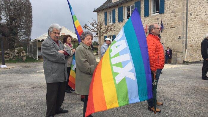 Ce fut une cérémonie rare et originale à Saint-Bonnet-les-Tours-de-Merle :  Une place de la Paix inaugurée  le 18 mars 2017