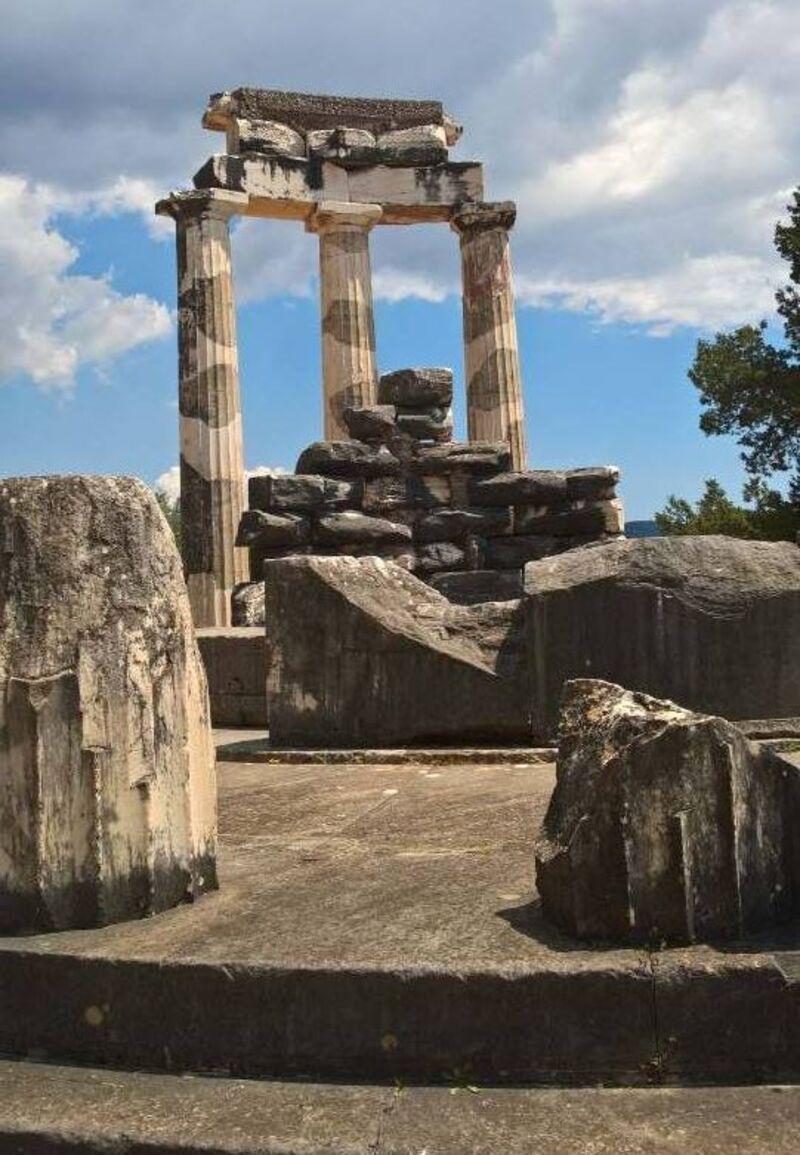 Suite temple etc...en  Grèce.