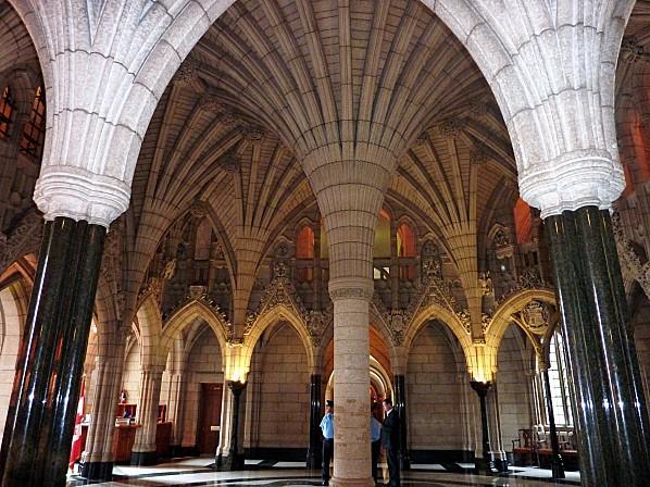 Ottawa Hall entrée Parlement 2