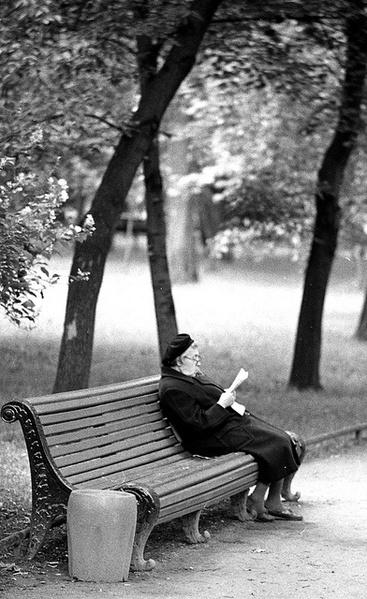 Les vieilles dames et la lecture