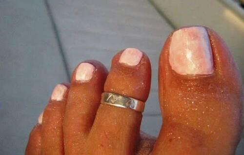 Nail art sur pied : Milk shake - marble sec