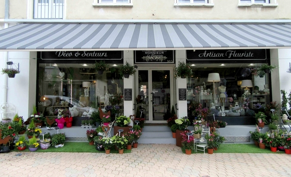 """""""Monsieur le Fleuriste"""" a ouvert une superbe boutique de fleurs à Châtillon sur Seine...."""