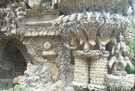 Le Palais du Facteur Cheval édifice sorti de l'imaginaire d'un postier français