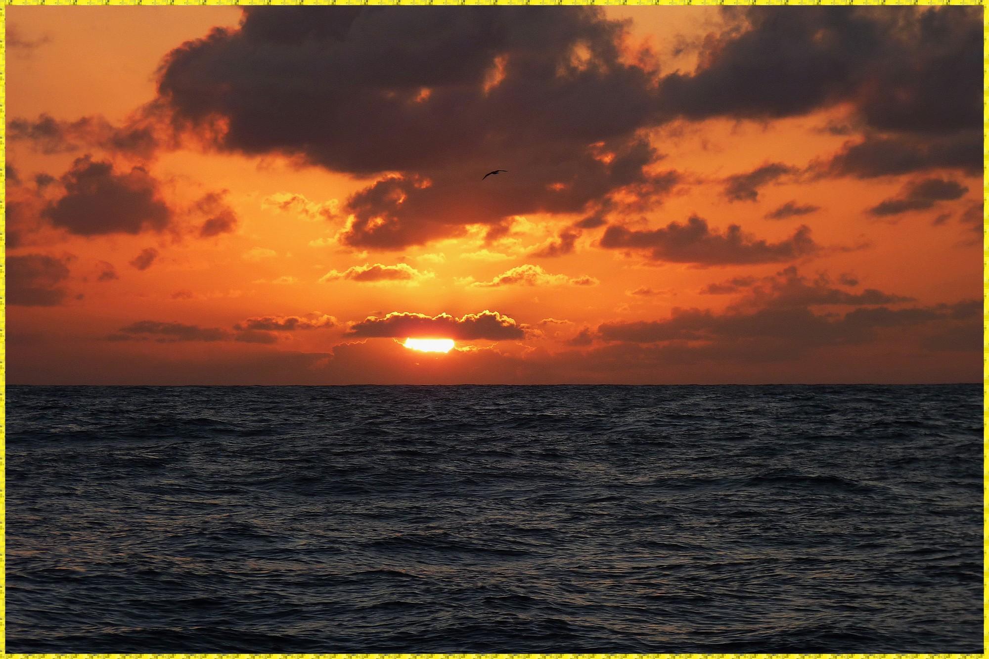 J7 - Coucher de soleil à la sortie du Golfe de Gasgogne