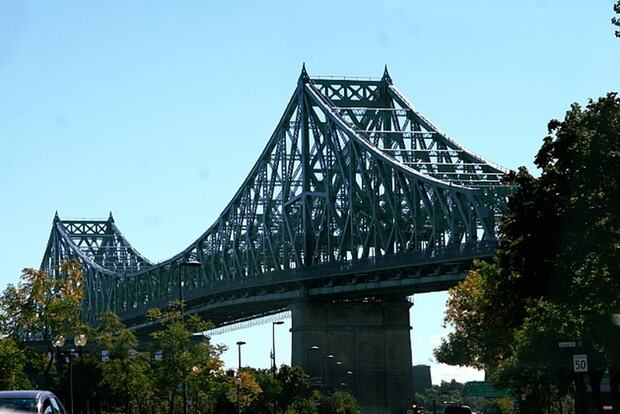 Emprunter le Pont Jacques-Cartier