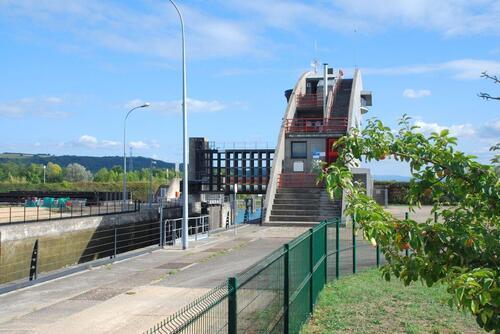Ecluse Niffer sur le canal d'Alsace