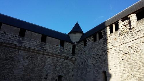 bon samedi à tous - suite château de vincennes
