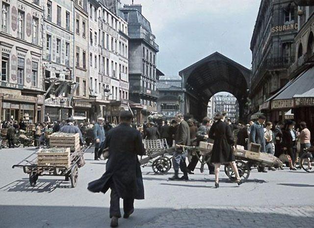 Andre Zucca: Nazi Propaganda Photos - Paris during WW249