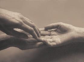 Main accordée à l'autre main ...