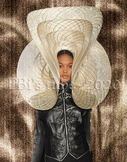 Tubes Femmes à chapeau