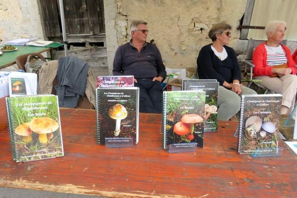 """La Société Mycologique du Châtillonnais était présente à la fête """"Pierre et Terroirs"""" de Colmier le Haut"""