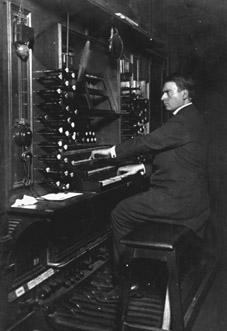 8. L'abbé Jacquemin en 1932