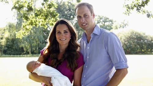 Le prince William et sa femme Catherine diffusent les premières photos de leur fils George