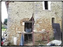 Fenêtres Salle de bain et porte d'entrée