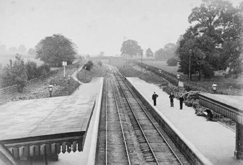 Palmers Green Railway station