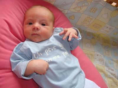 Blog de melimelodesptitsblanpain :Méli Mélo des p'tits Blanpain!, Quelques photos de notre petite Luciole...