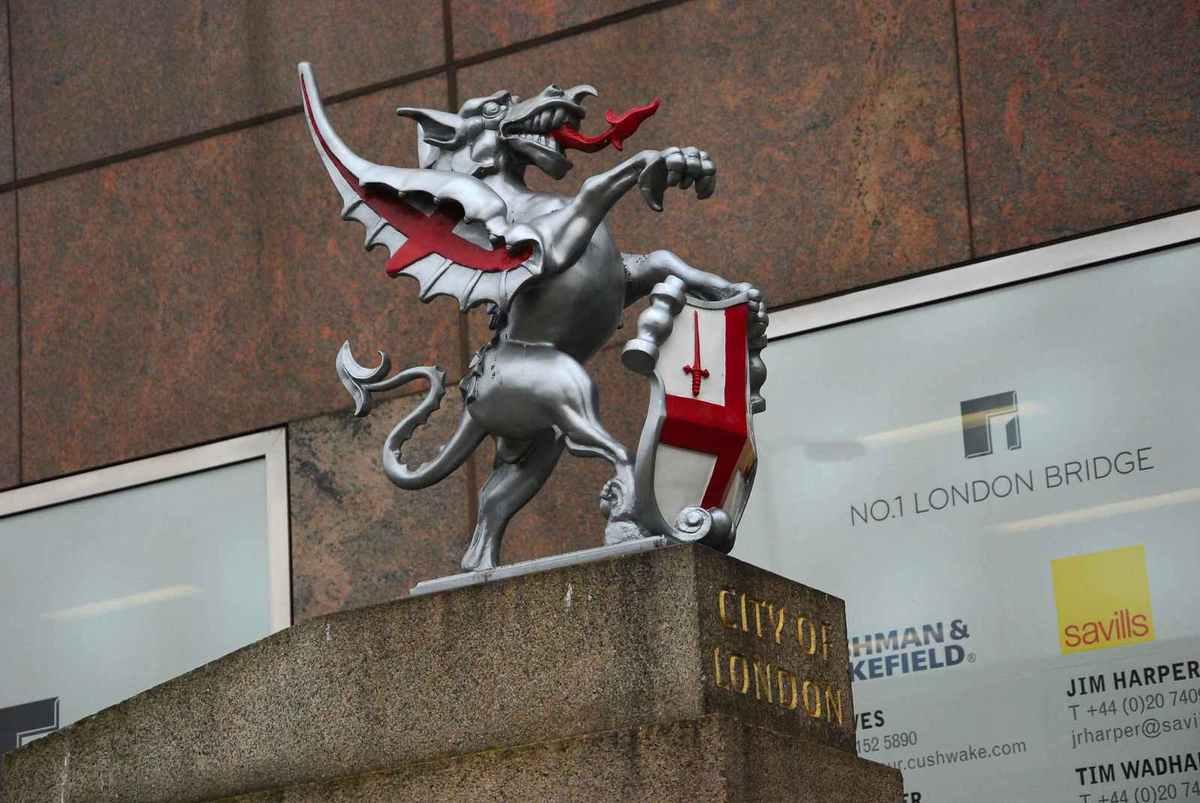 Le dragon, battu par St Georges, est le symbole de Londres