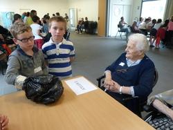 visite des CE2 à la maison de retraite