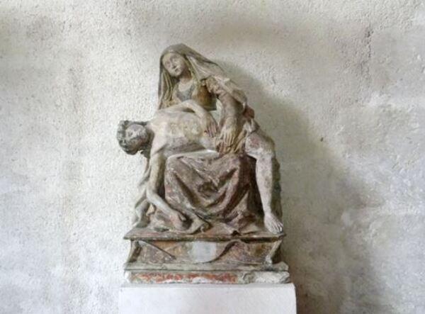 De très belles Vierges de Pitié, ou Pietà, existent dans des églises Châtillonnaises....
