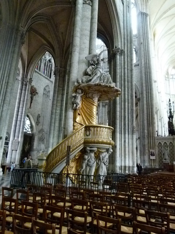 Des vues de la cathédrale d'Amiens (80)