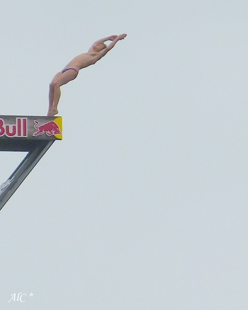 Red Bull Cliif Diving (2)