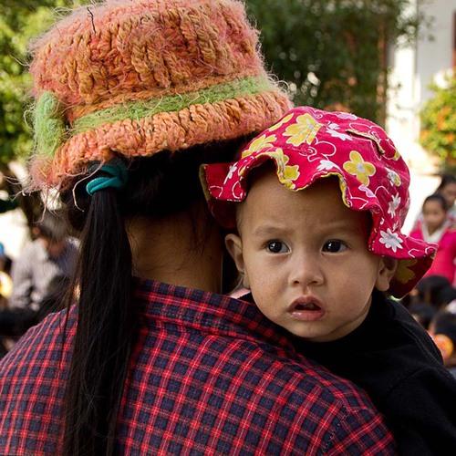 5- Enfants d'En Face et Ecole Pour Tous. Enfants cherchent assistance
