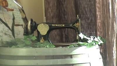 Blog de colinearcenciel :BIENVENUE DANS MON MONDE MUSICAL, Une ancienne machine à coudre