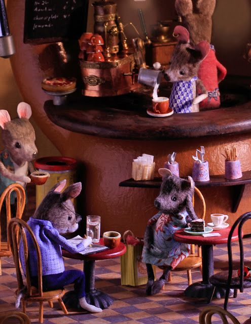 Coffee mousehouse | Needle felted animals, Mouse drawing, Felt animals