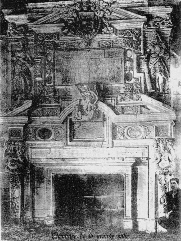 Blog de sylviebernard-art-bouteville : sylviebernard-art-bouteville, Cheminée de la grande salledu château de Bouteville début des premières années du XVII siècles.