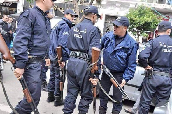 """Résultat de recherche d'images pour """"Algerie, corps de gendarmerie"""""""