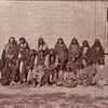 Bannock prisonniers au camp Brown, Wyoming. 1878. Photo par William Henry Jackson