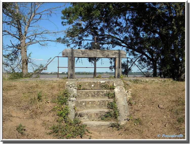 Fort Médoc - Ecluse des douves