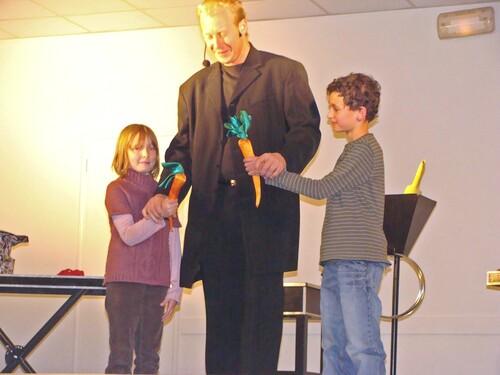 Un magicien à Sainte Colombe sur Seine