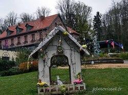 les déco de Pâques embellissent quelques monuments