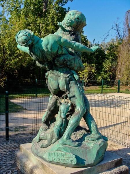 Les sculptures les plus inquiétantes de Paris