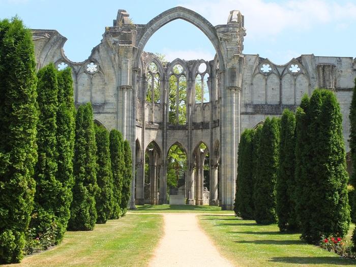 Des abbayes autour de Paris.