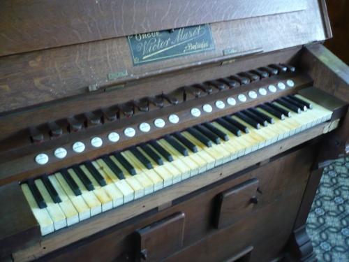 Harmonium Mazet
