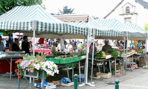 Marché traditionnel à Seilhac (Corrèze)