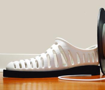 feetz, la première chaussure imprimée en 3d et adaptée à la forme du pied.