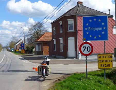-Dudule chez les belges.