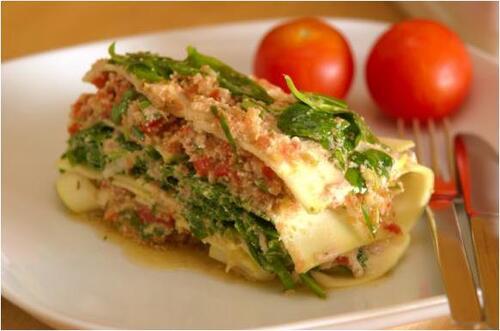 Salade de blettes avec sauce crue végétalienne