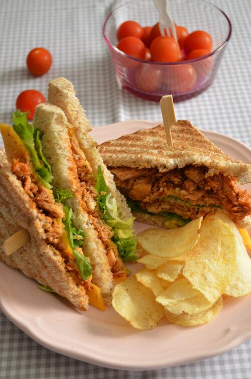 Chicken Sandwich { Poulet Chedar Laitue}