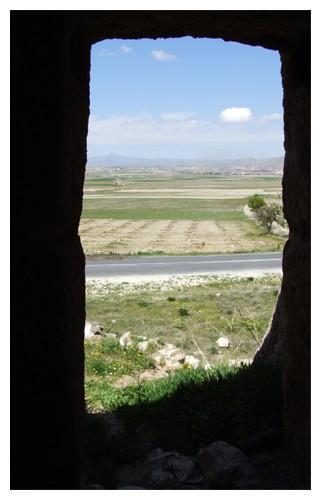 vue de l'intérieur d'une cheminée de fées à Urgup