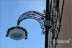 Enseigne de magasin Eguisheim Hait-Rhin Alsace
