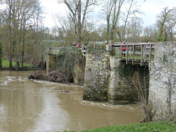 jeudi - le pont Barré, à Beaulieu sur Layon