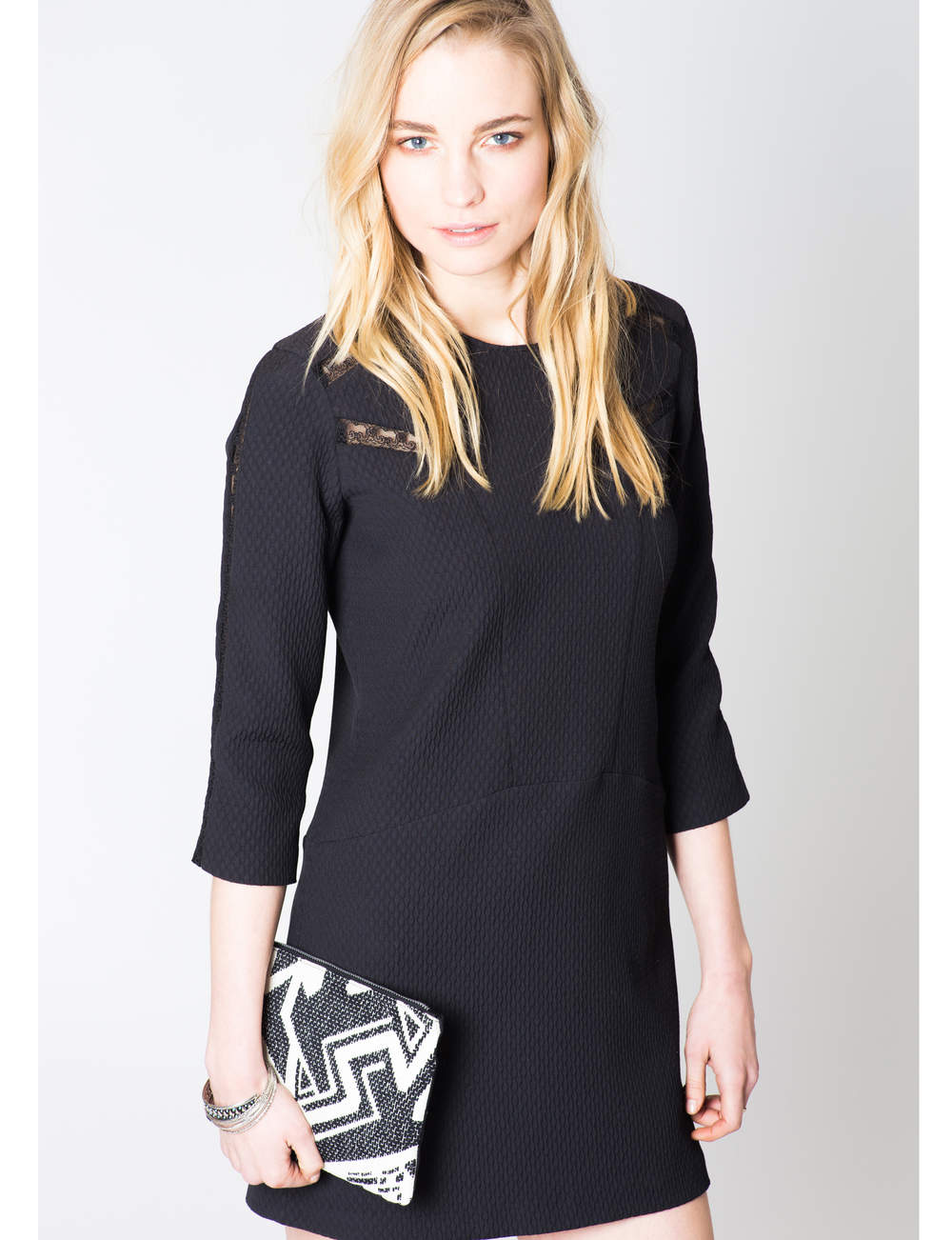 Robe noire : casual chic
