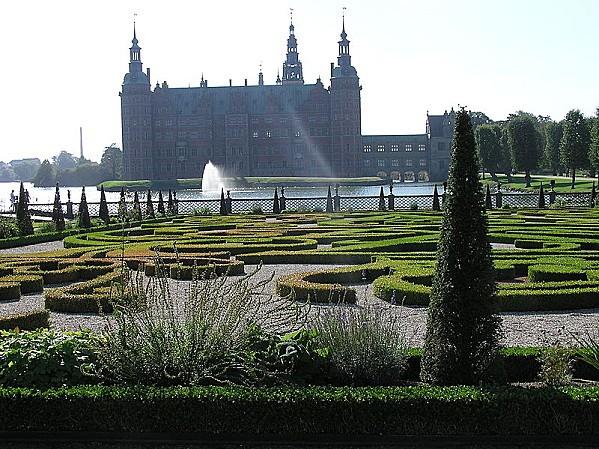 800px-Frederiksborg Slot 41
