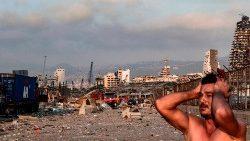 Beyrouth sous le choc après les explosions devastatrices