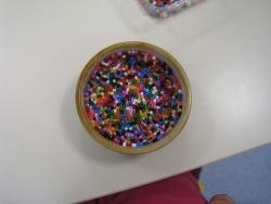 Cadeau fête des mères 2012: Vide-poche en perles à repasser